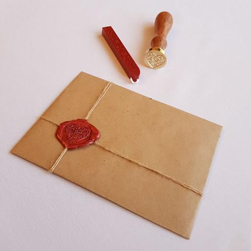 Упаковка открытки в конверт с сургучной печатью — 0009