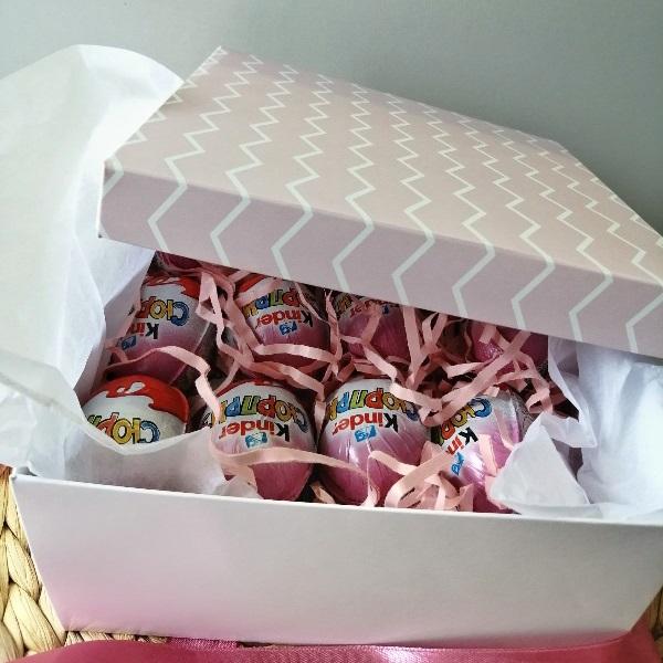 Коробка с киндер-сюрпризами 12 штук 0008