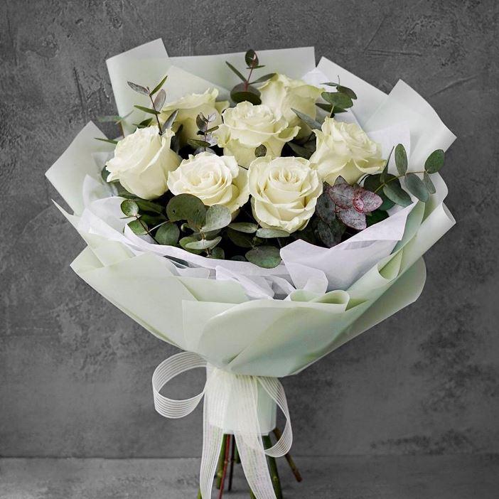 Букет из белых роз 471