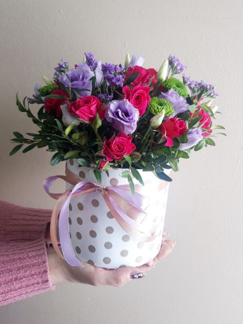 Коробка круглая (цилиндр) с цветами 467