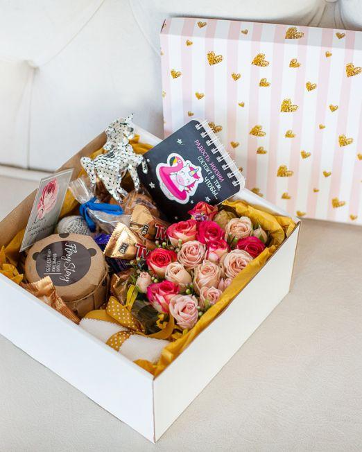 подарочный набор единорог коробка с цветам, игрушкой, сладостями в БрестеG_8182