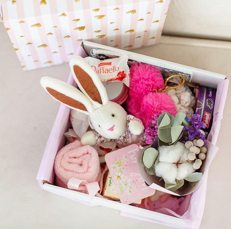Подарочный набор с цветами и сладостями «Розовое мимими» 484