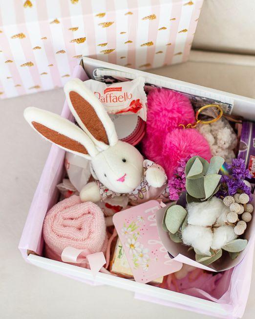 подарочный набор -коробка с цветами и сладостями, конфетами в Бресте _8044
