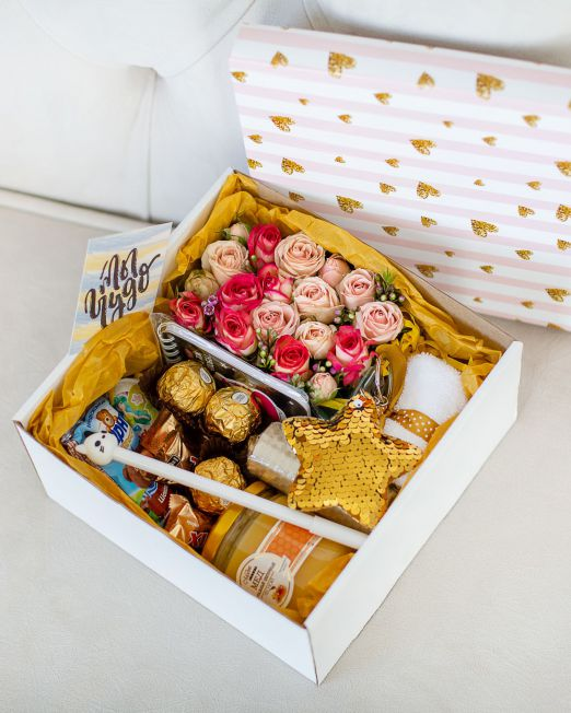подарочный набор -коробка с цветами, медом. орехами в Бресте _8049