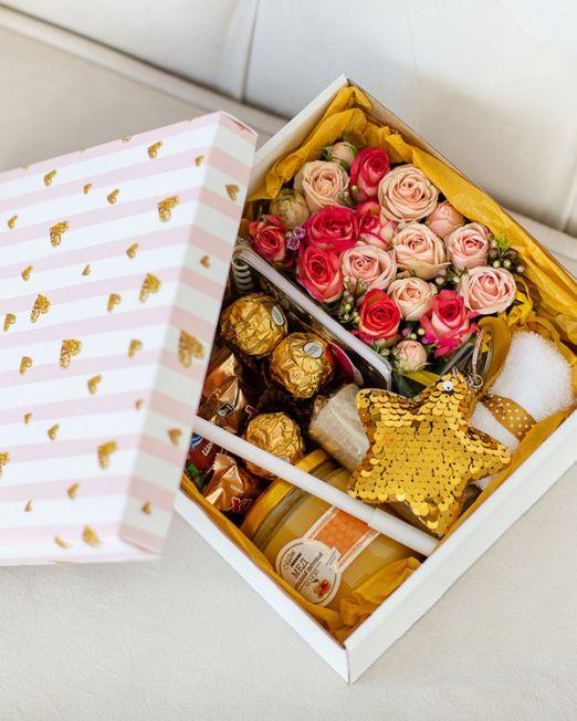 подарочный набор -коробка с цветами, медом. орехами в Бресте _8056