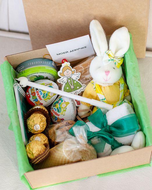 подарочный набор -коробка с цветам, игрушкой, сладостями в Бресте _8062