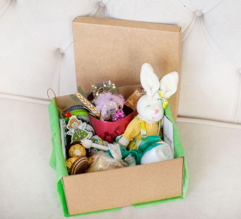 Подарочный набор с цветами и сладостями «Лесное вдохновение» 485