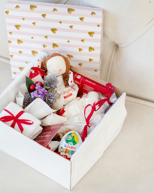 подарочный набор -коробка с цветам, игрушкой, сладостями в Бресте_8114