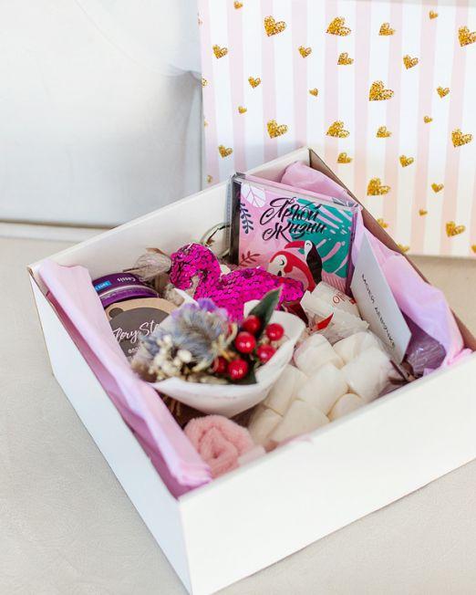подарочный набор -фламинго - коробка с цветам, игрушкой, сладостями в Бресте _8139