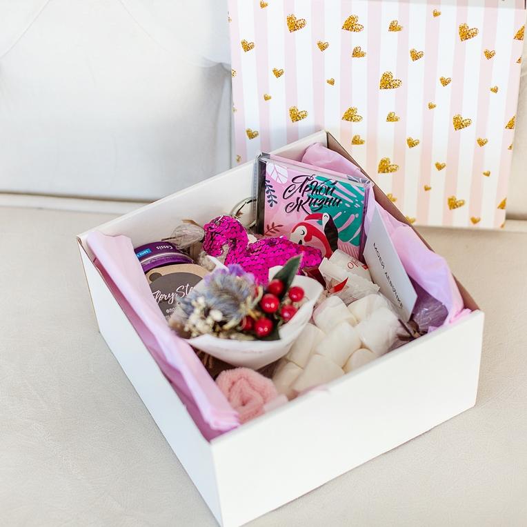 Подарочный набор с игрушкой, букетиком, сладостями «Фламинго» 492