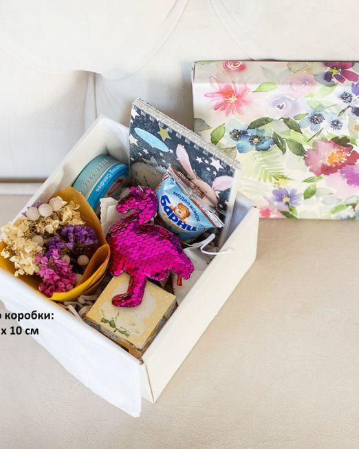 подарочный набор 15-15 -коробка с цветам, игрушкой, сладостями в Бресте