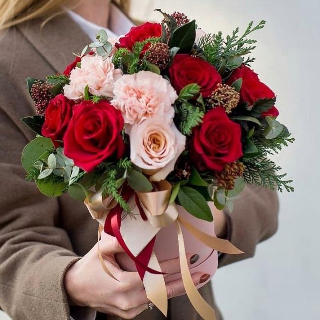 Шляпная коробка с розами — 576