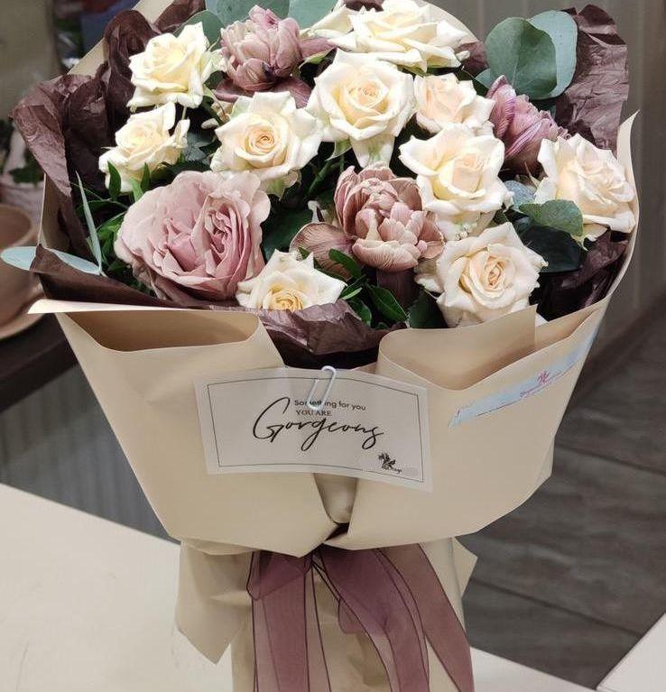 Букет из роз и тюльпанов 175