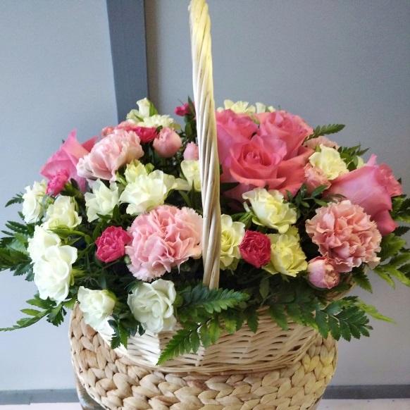 Подарочная корзина с розами 589