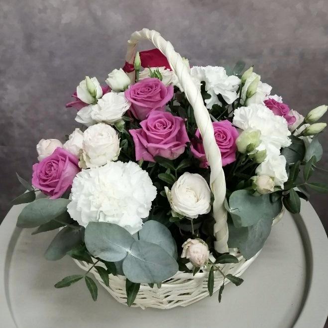 Подарочная корзина с розами 588