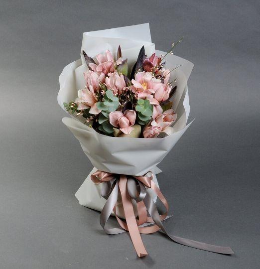 Букет из тюльпанов брауни 620