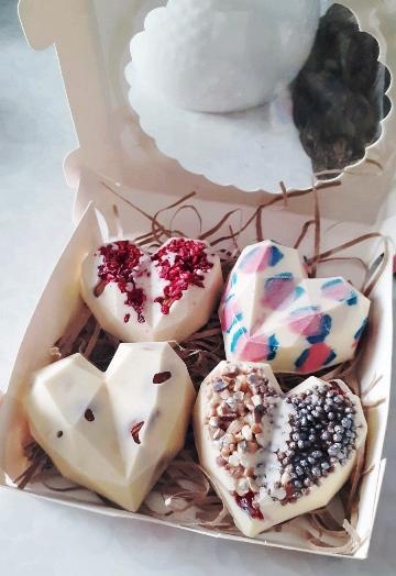 Коробка с шоколадными сердцами 607
