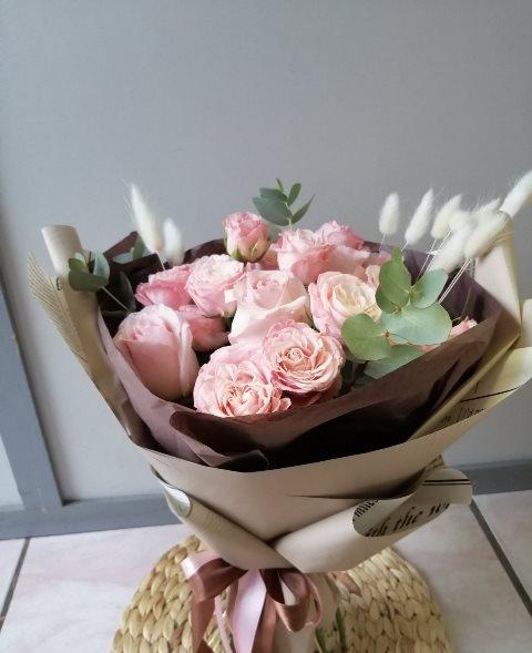 Букет с пионовидной розой 619