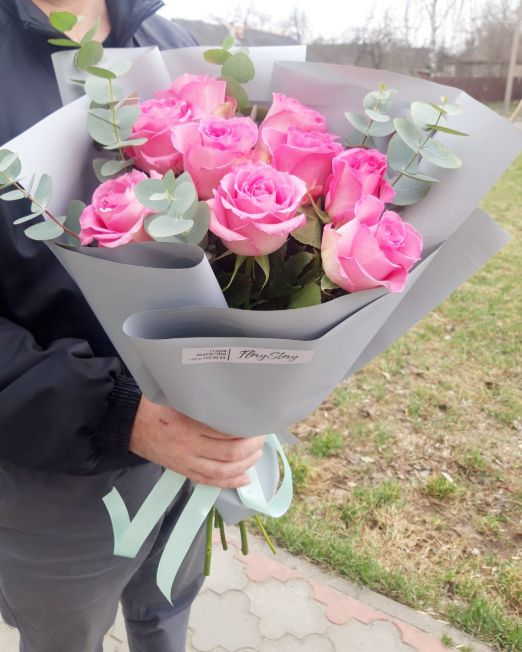 букет-из-розовых-роз-с-эвкалиптом 417.jpg