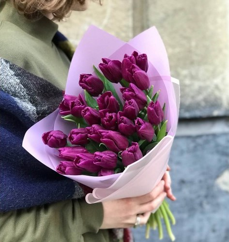 букет из фиолетовых тюльпанов (2)