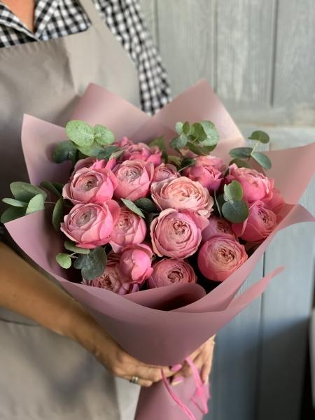 Букет сборный из пионовидной розы 066
