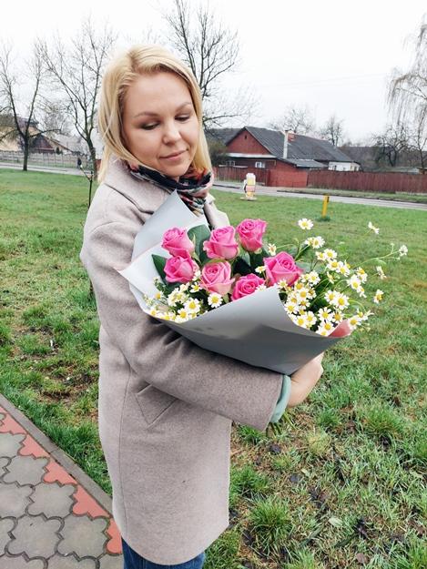 Букет сборный из розы и ромашки -664