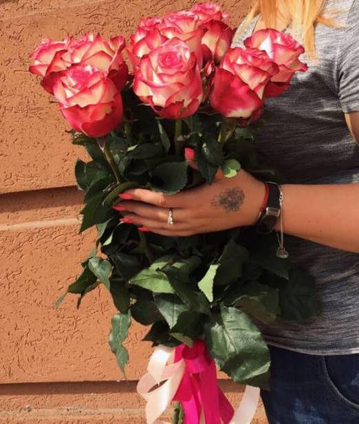 букет из 9 двухцветных роз