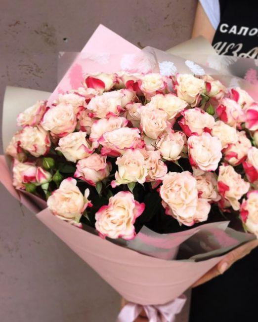 букет из кустовых роз рефлекс